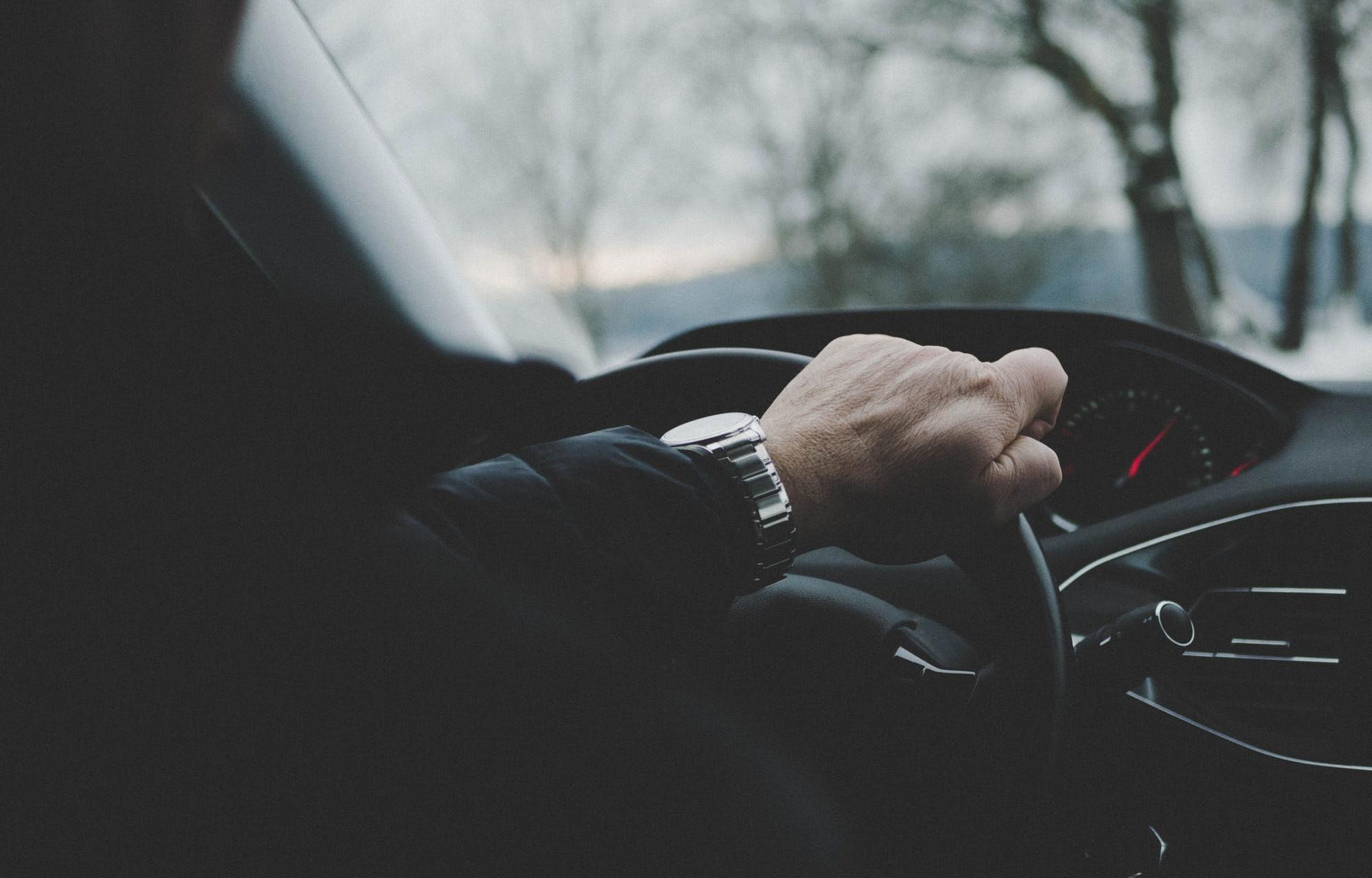 Эксперты отметили рост продаж премиум-автомобилей с пробегом в Тверской области - новости Афанасий