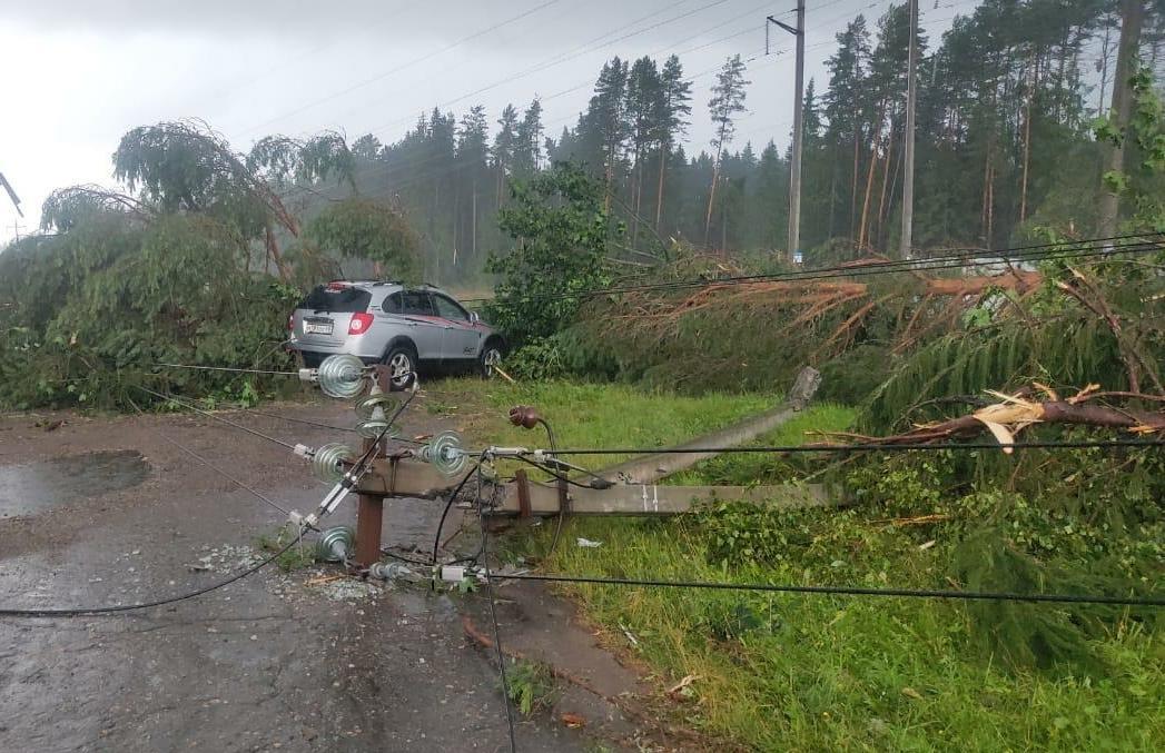Энергетики ликвидируют последствия урагана в регионах Центрального и Приволжского федеральных округов