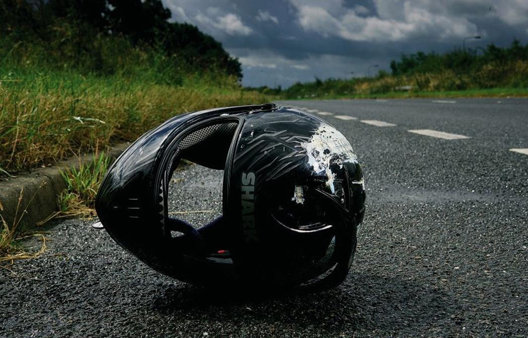 Под Тверью мотоциклист без прав врезался в легковушку - новости Афанасий