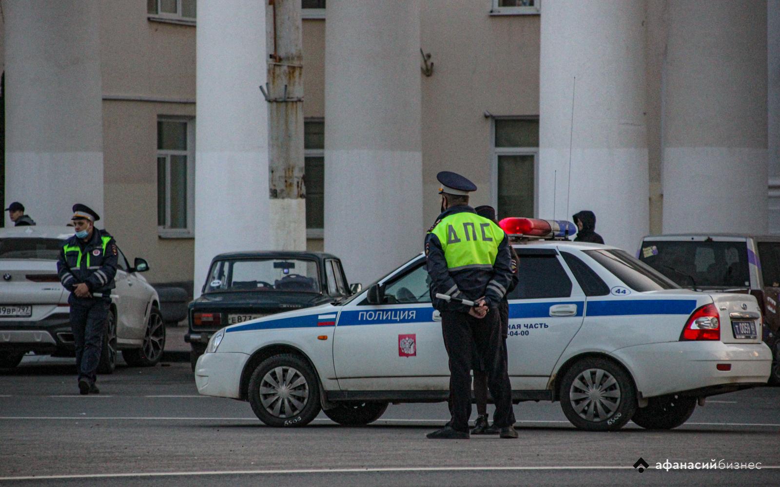 Въехал в Тверь и попался: сотрудники ГИБДД провели массовый рейд на площади Гагарина - новости Афанасий
