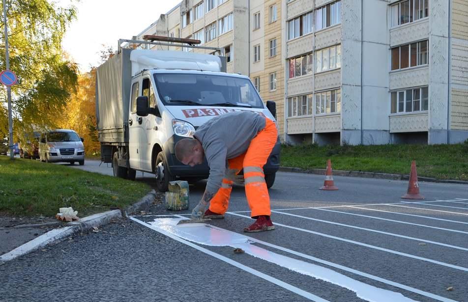 В Твери доделывают тротуары и наносят разметку на отремонтированные по нацпроекту дороги - новости Афанасий