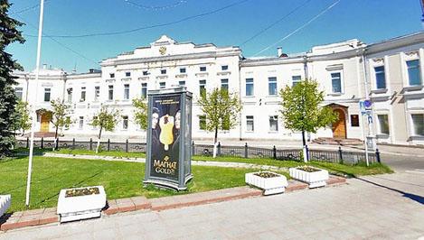 В Твери намерены реконструировать чугунную ограду на площади Ленина