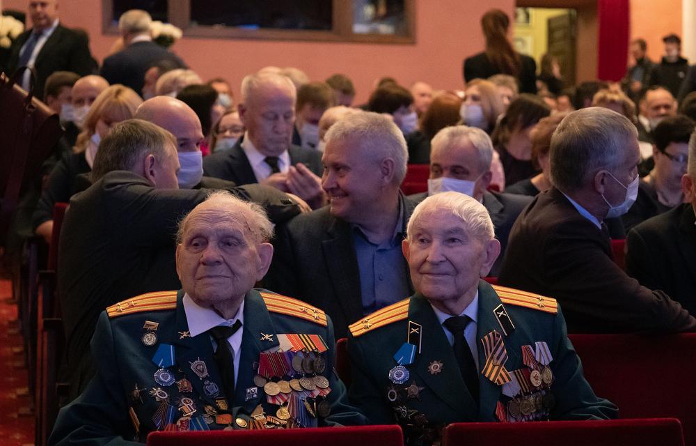 Заслуженные жители Тверской области поддержали стратегию развития региона, реализуемую под руководством Игоря Рудени