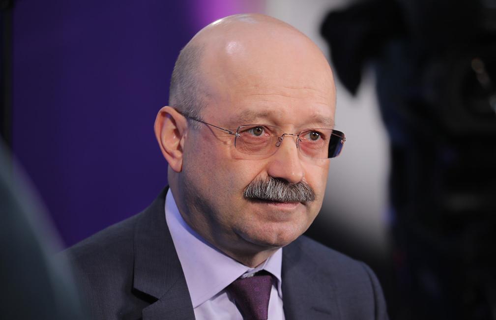 Михаил Задорнов: мировую экономику в 2020 году ждет рецессия, рубль к концу года может подрасти