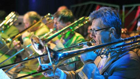 Летний джазовый фестиваль в Твери сегодня открывают биг-бэнд имени Олега Лундстрема, Дебора Браун и Марк Томас