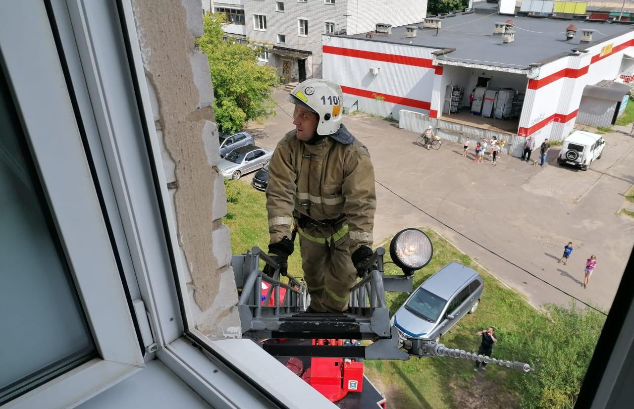 В Тверской области спасли ребенка, который чуть не вывалился из окна  - новости Афанасий