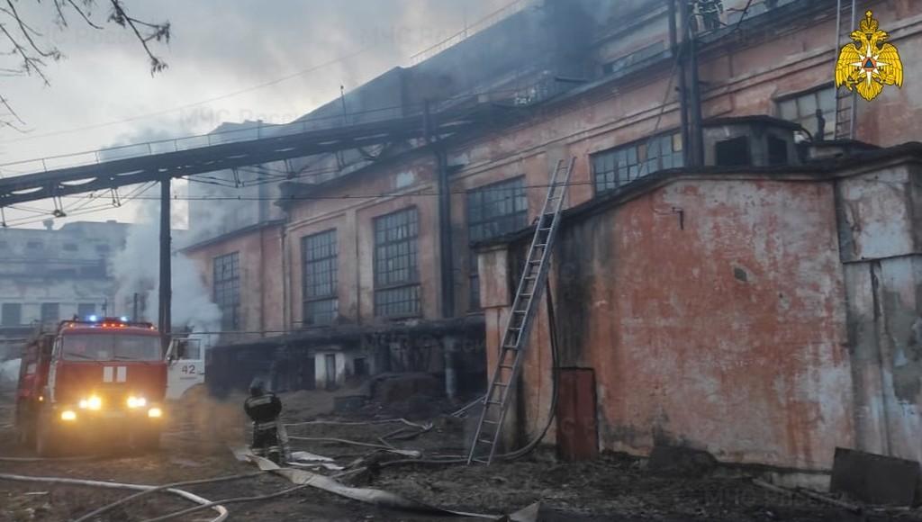 Пожар в Нелидово Тверской области тушили четыре часа