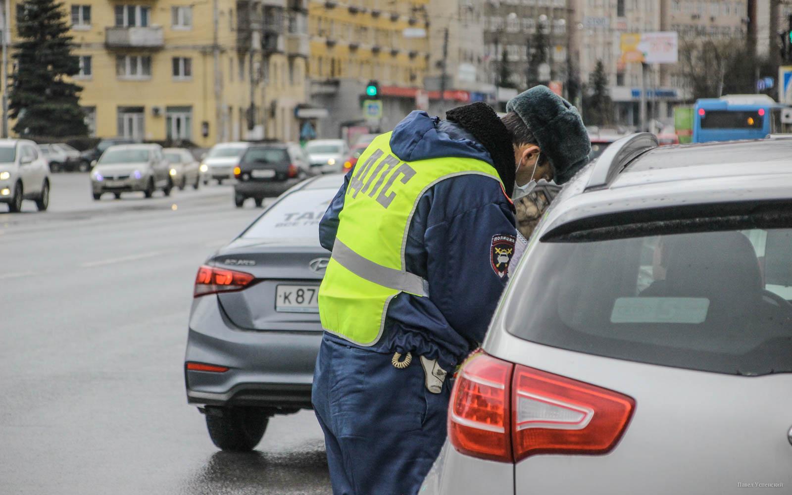 Почему водителей в России штрафуют за багажники на крышах - новости Афанасий