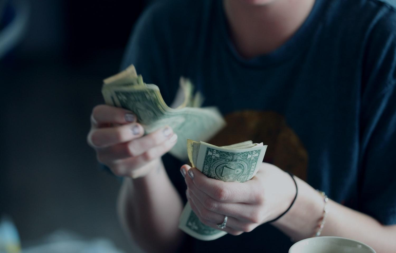 ВТБ в 10 раз снизил сумму для льготного обмена валюты - новости Афанасий
