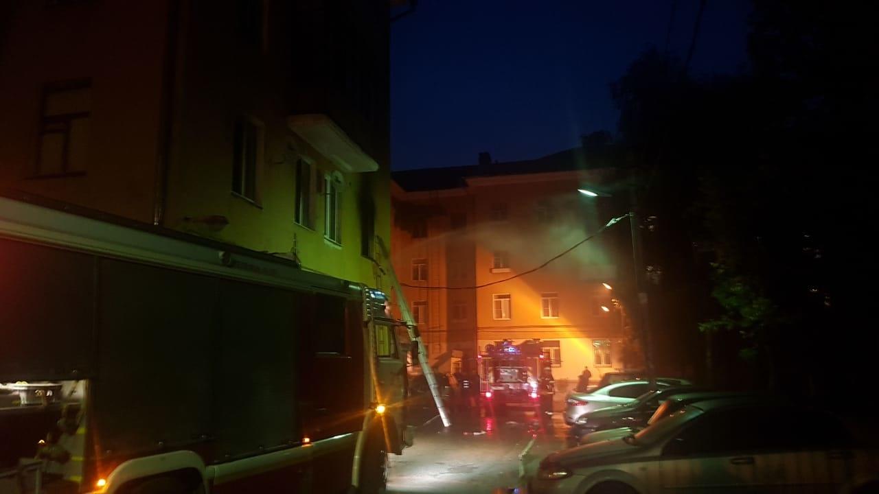 В Твери пожарные спасли из горящей квартиры четверых человек - новости Афанасий