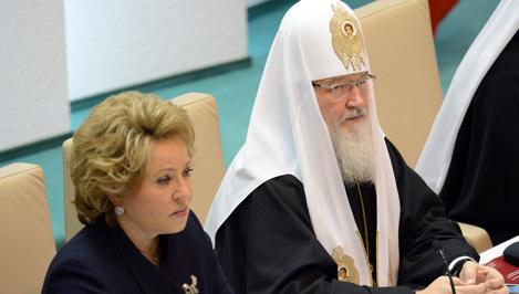 Церковь, власть и общество: грани сотрудничества В Совете Федерации прошли первые в истории современной России...