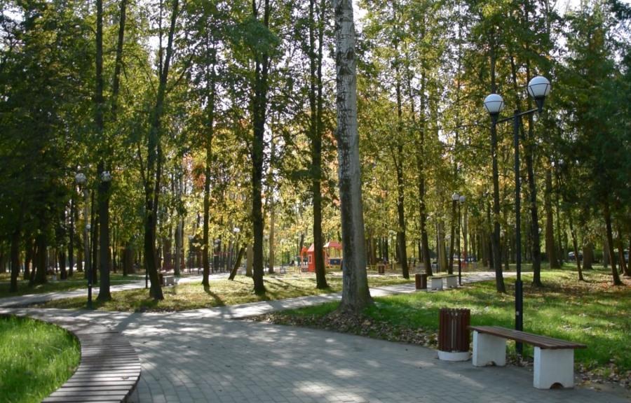 Завершилось двухлетнее благоустройство сквера в поселке Химинститута города Твери - новости Афанасий