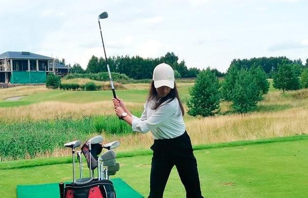 Алина Загитова побывала на гольф-фестивале в Тверской области - новости Афанасий