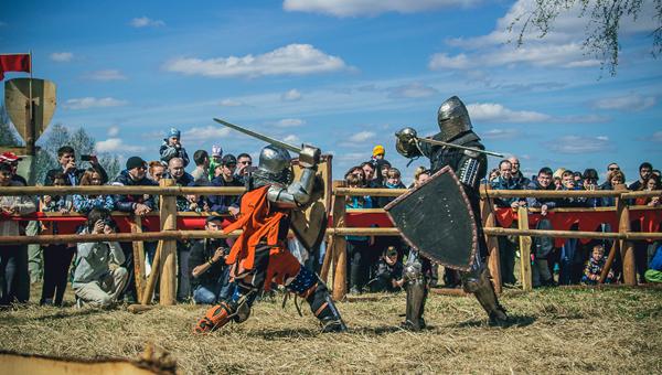 «Тверская застава» в 2017 году представила гостям лагерь Орды, тверское воинство и женские турниры на мечах / фоторепортаж
