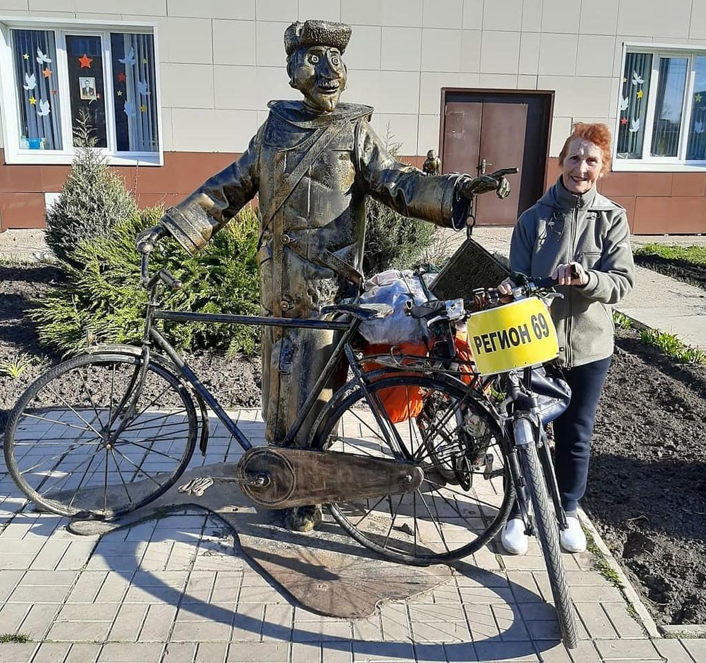 Тверская велопутешественница Юлия Михайлюк на пути в Магадан добралась до Воткинска