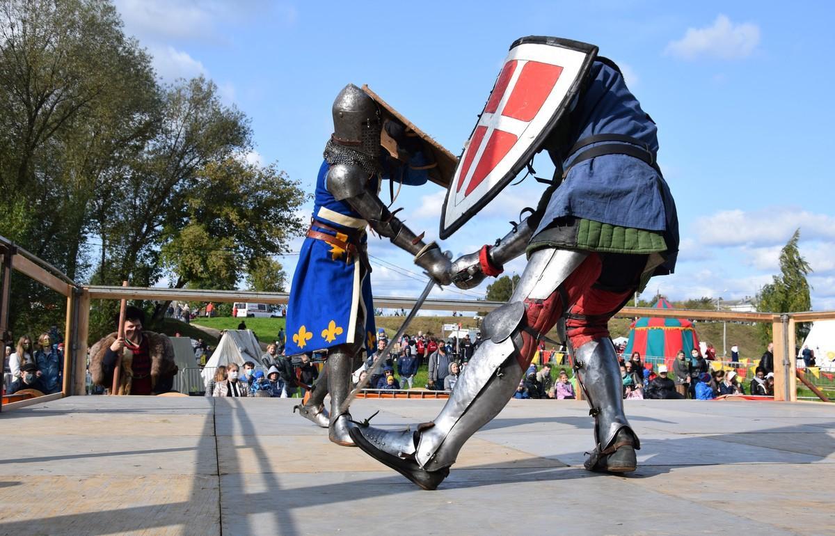 Жителей Твери зовут на рыцарский турнир и в военный лагерь 1812 года