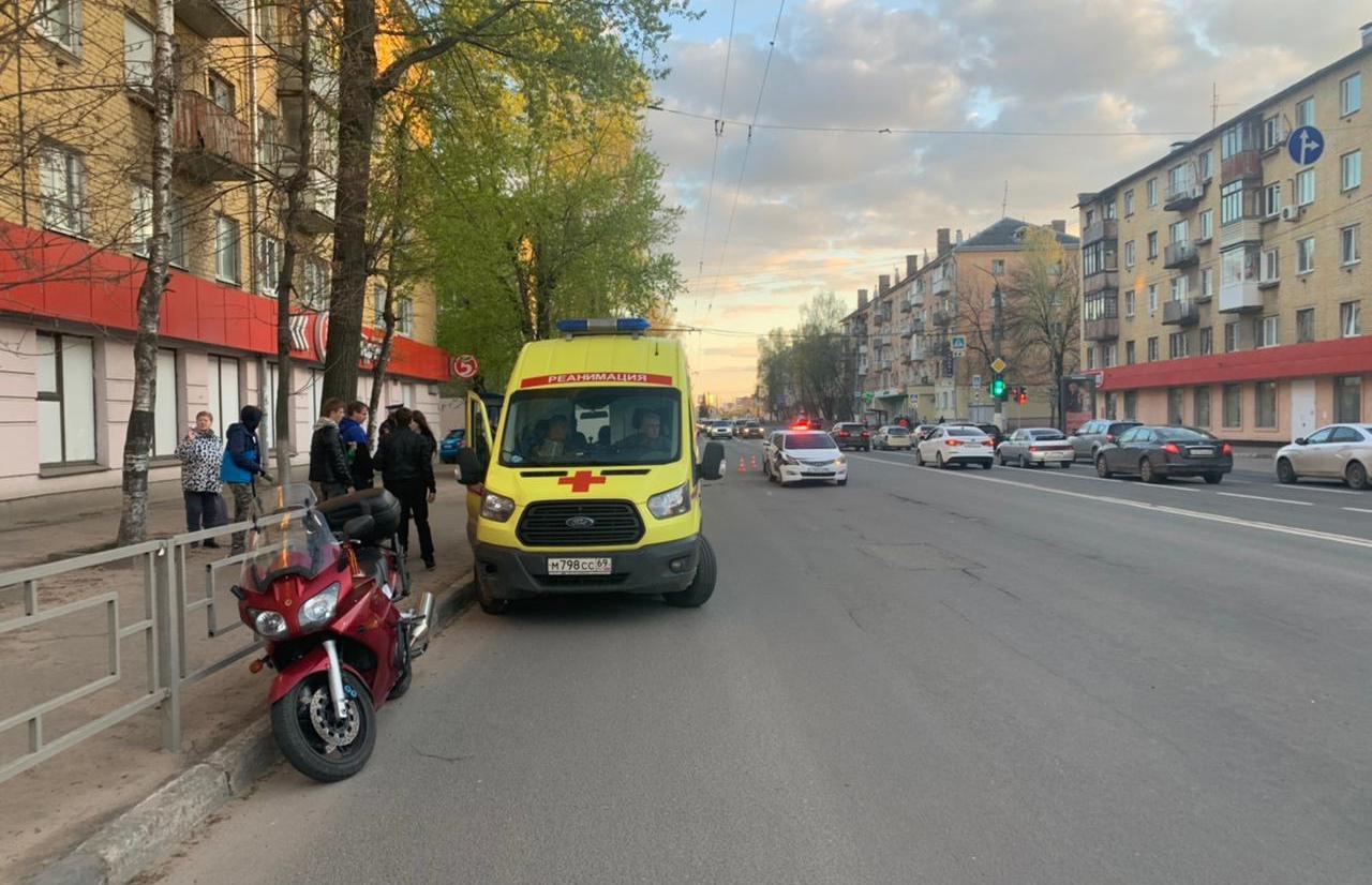 Мотоциклист пострадал в ДТП на Волоколамском проспекте в Твери