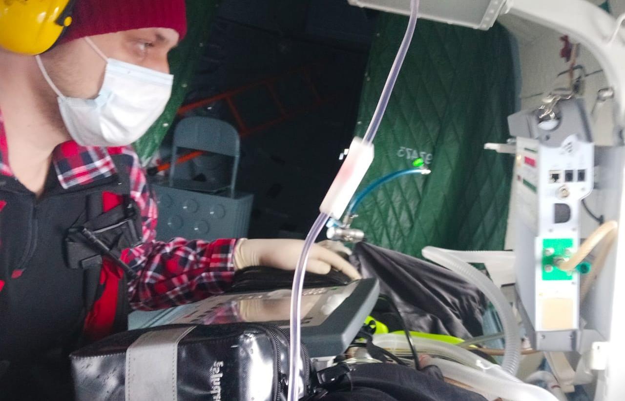 Тверские врачи за один день на вертолетах вылетали в два района области и Петербург - новости Афанасий