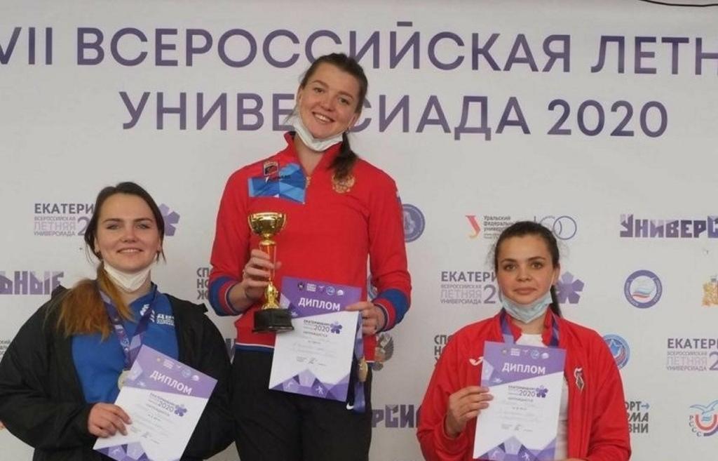 Золотую медаль команде Тверской области принесла легкоатлетка из Конаково. Алена Гордеева является воспитанницей Комплексной спортивной школы олимпийского резерва №2 города Твери.