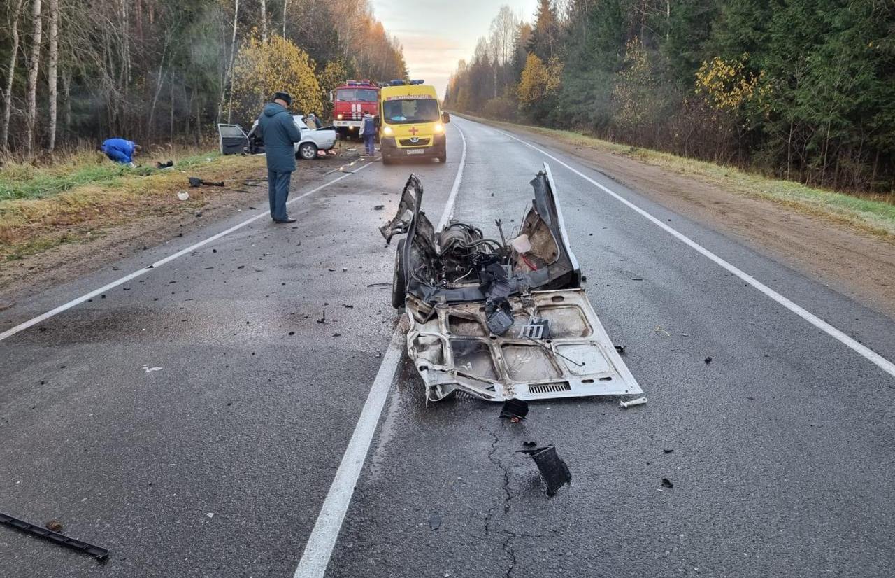 В жутком лобовом ДТП в Тверской области погиб водитель «семерки», еще два человека травмированы - новости Афанасий