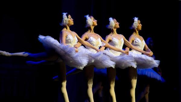 Балет «Лебединое озеро» представят в Твери солисты Мариинского и Большого театров