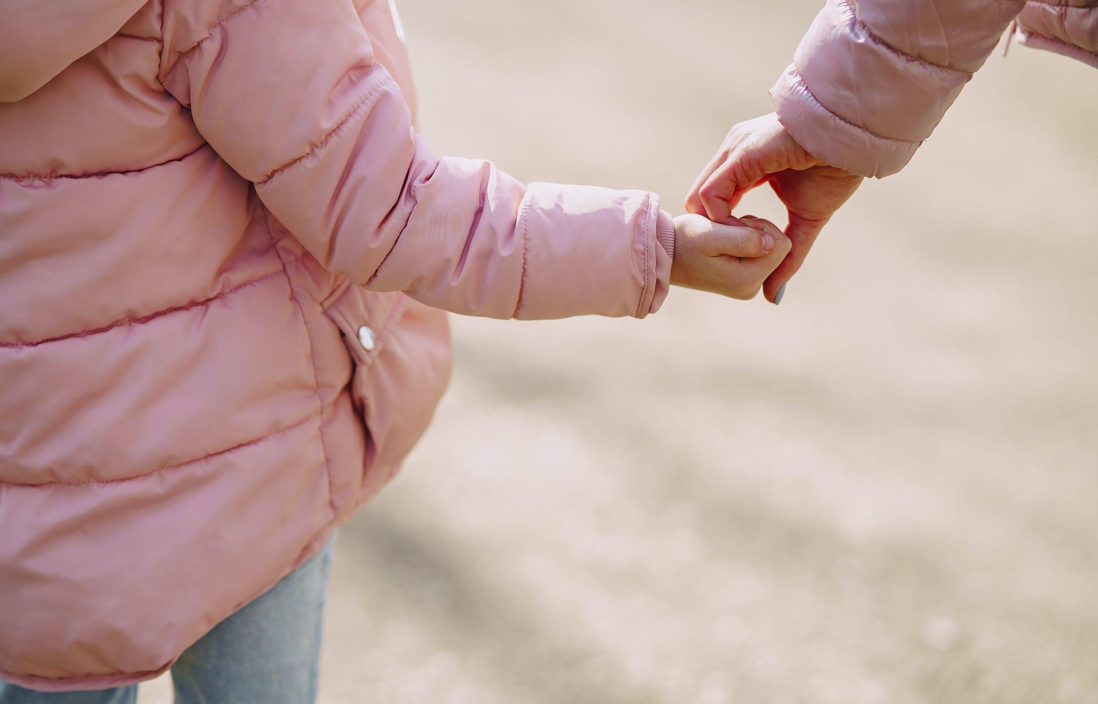 Нет справки - нет денег: кто останется без детских пособий с марта - новости Афанасий