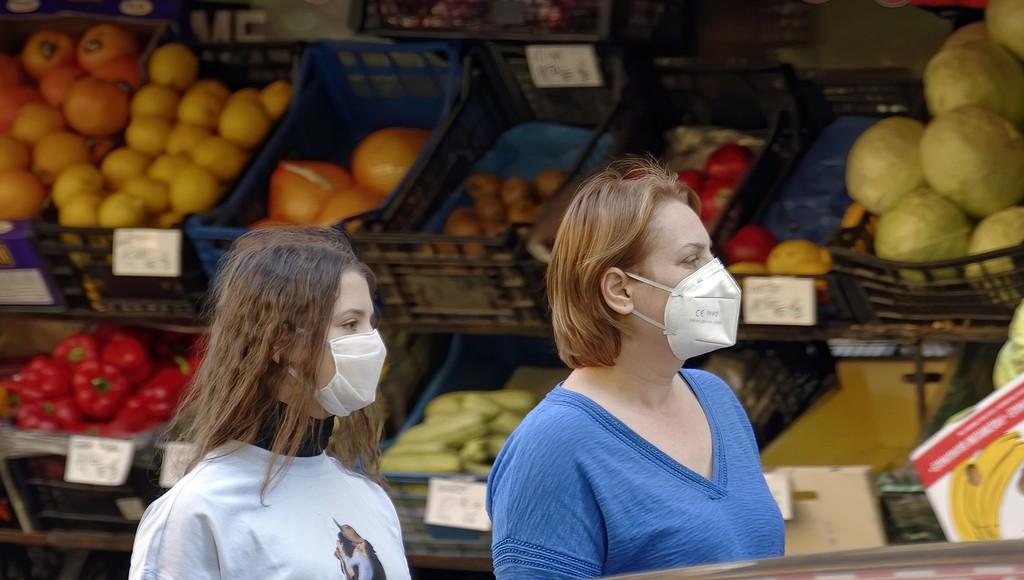 В Тверской области оштрафовали продавца, торговавшего без маски овощами и фруктами - новости Афанасий
