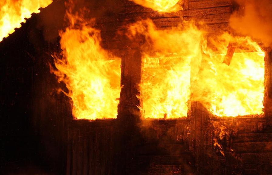 Поджигатель из Тверской области проведет 2,5 года в колонии - новости Афанасий