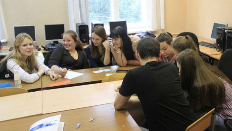 Тверские школьники на летней практике познакомились с маркетингом и домашней бухгалтерией