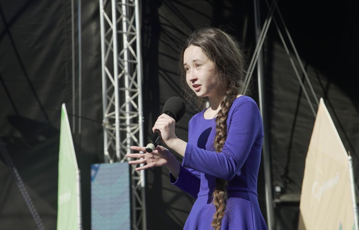 Школьница из Тверской области претендует на звание лучшего юного чтеца в мире - новости Афанасий