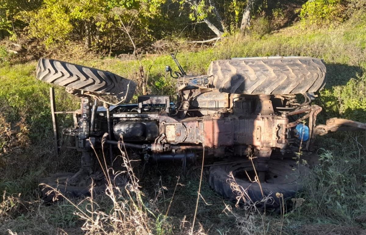 В Тверской области пьяный угонщик трактора вылетел на нем в кювет - новости Афанасий