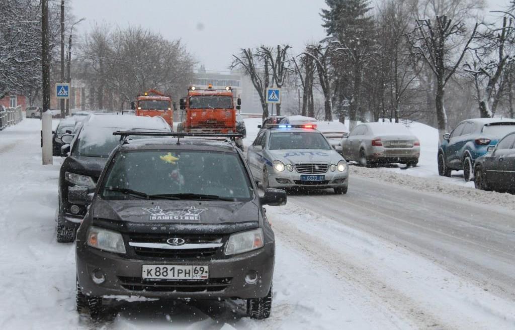 В Твери ночью убрали 360 кубометров снега - новости Афанасий
