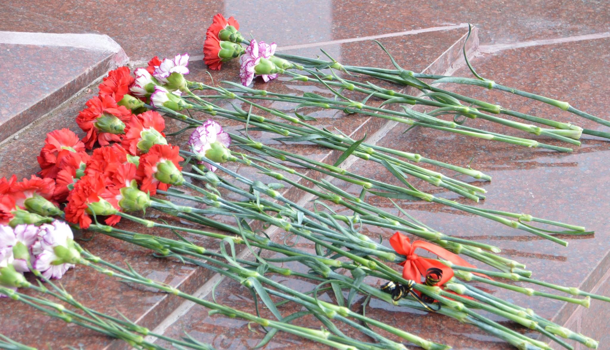 В Твери в преддверии Дня Победы приводят в порядок воинские захоронения