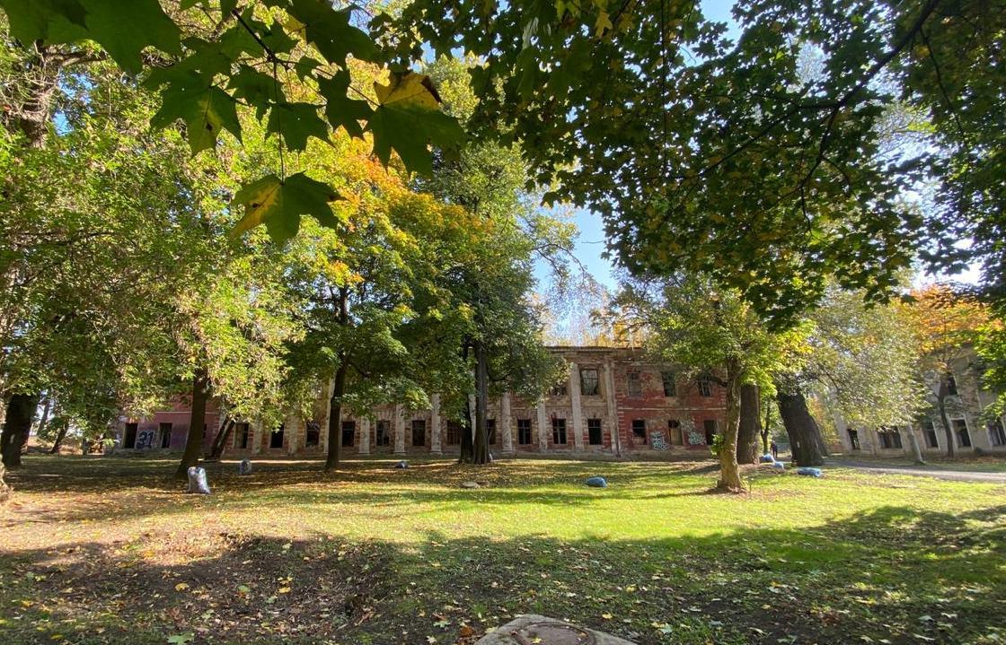 В Твери проведут экспертизу парка «Воксал» и зданий Тверской Губернской Земской больницы - новости Афанасий