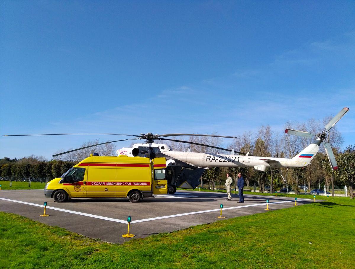 Вертолеты вывезли из Нелидово в Тверь троих тяжелобольных пациентов - новости Афанасий