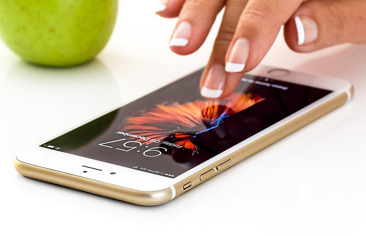 В Твери в 1,5 раза вырос спрос на смартфоны и умные аксессуары