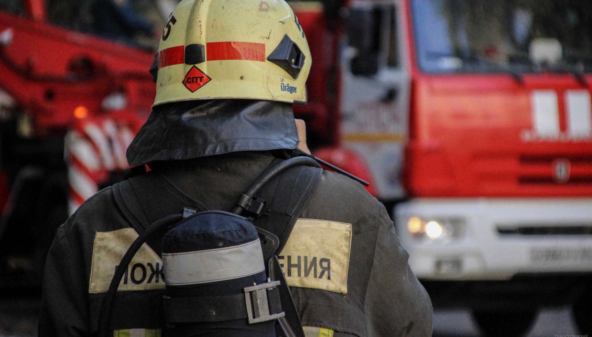 Ранним утром в Твери пожарные тушили парикмахерскую - новости Афанасий