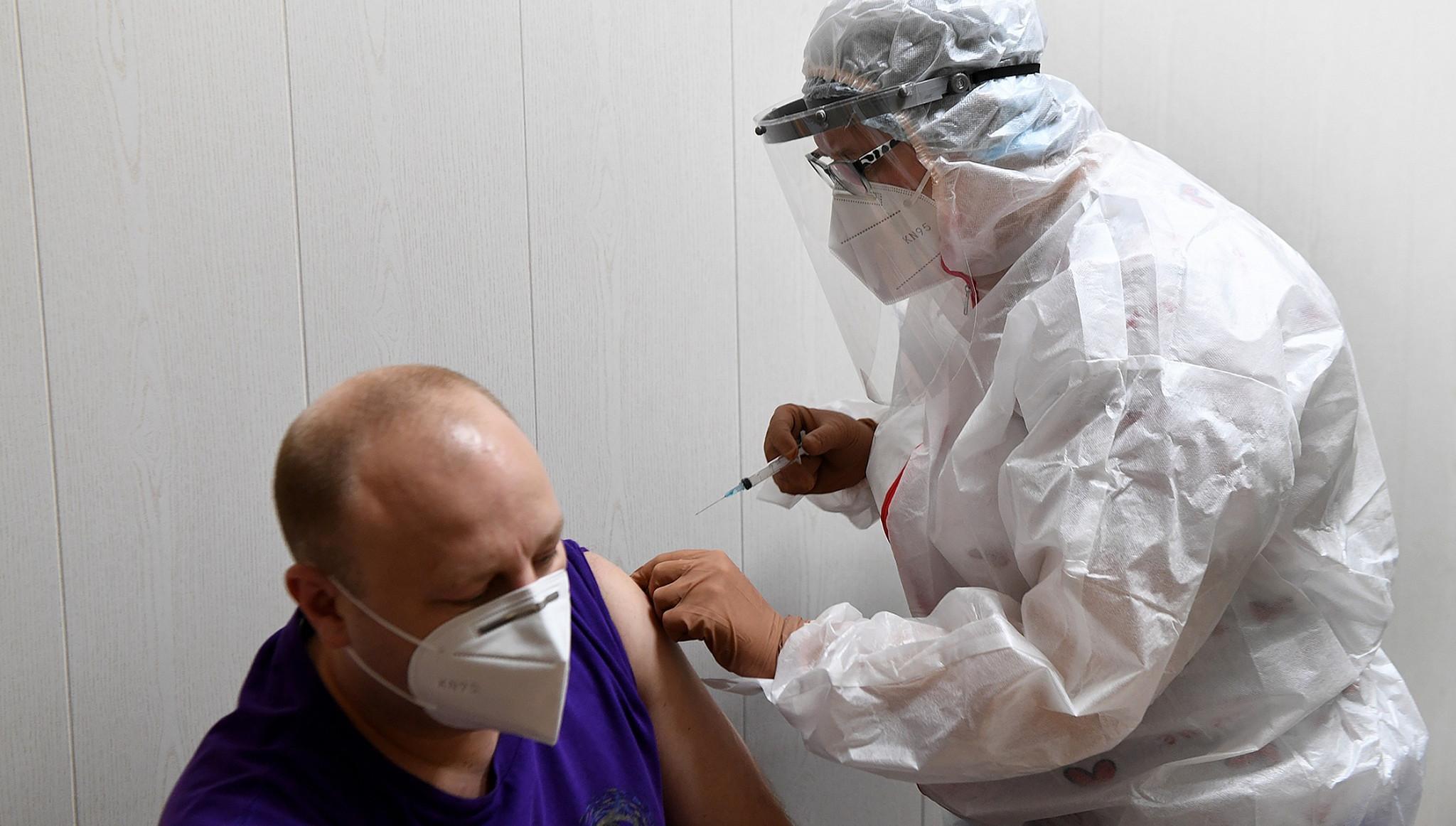 Более 88 тысяч жителей Тверской области привились от коронавируса - новости Афанасий