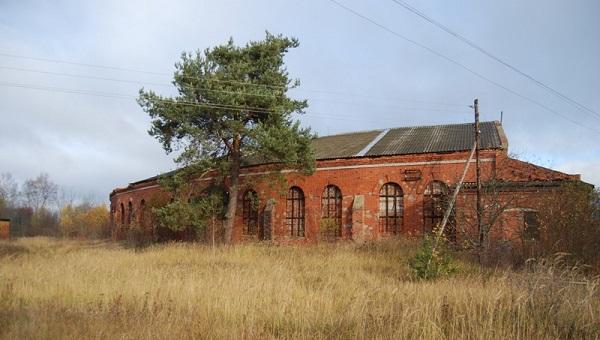 СМИ: в Тверской области снесено старинное веерное депо