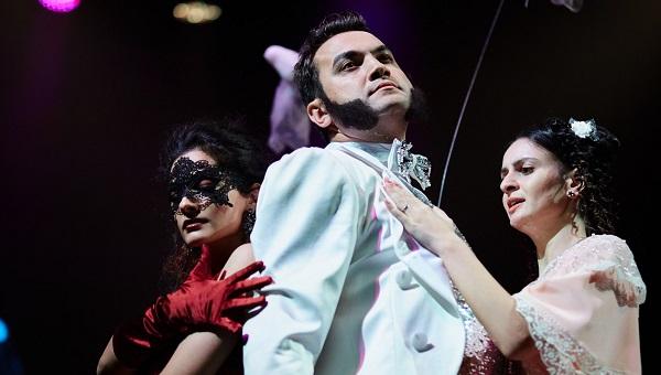 Бриллиант на сцене: в театре драмы Твери — реализм с настоящими демонами, фантастическими страстями и исчезновением главного героя