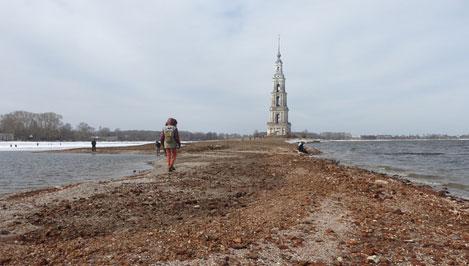 В Калязине на дне Угличского водохранилища кладоискатели обнаружили старинные монеты и древние захоронения