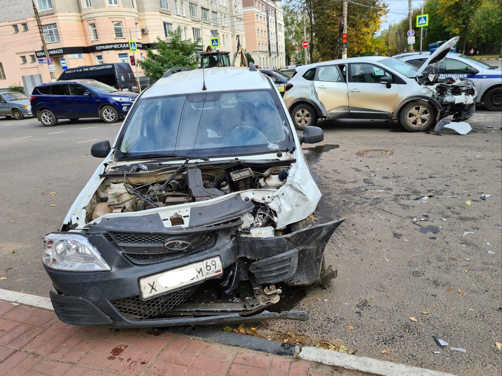 Два водителя пострадали в ДТП в Заволжском районе Твери