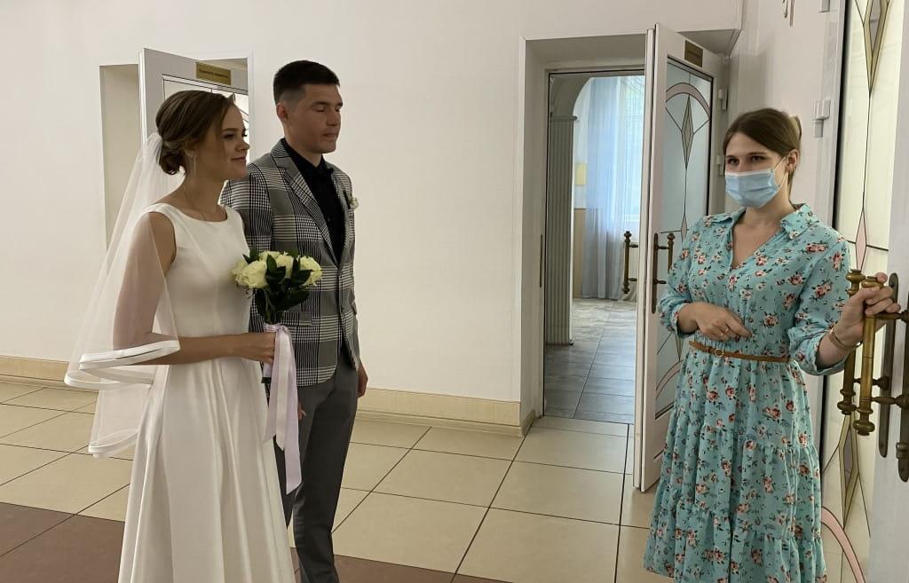 В Твери в День семьи, любви и верности заключили брак 20 пар - новости Афанасий