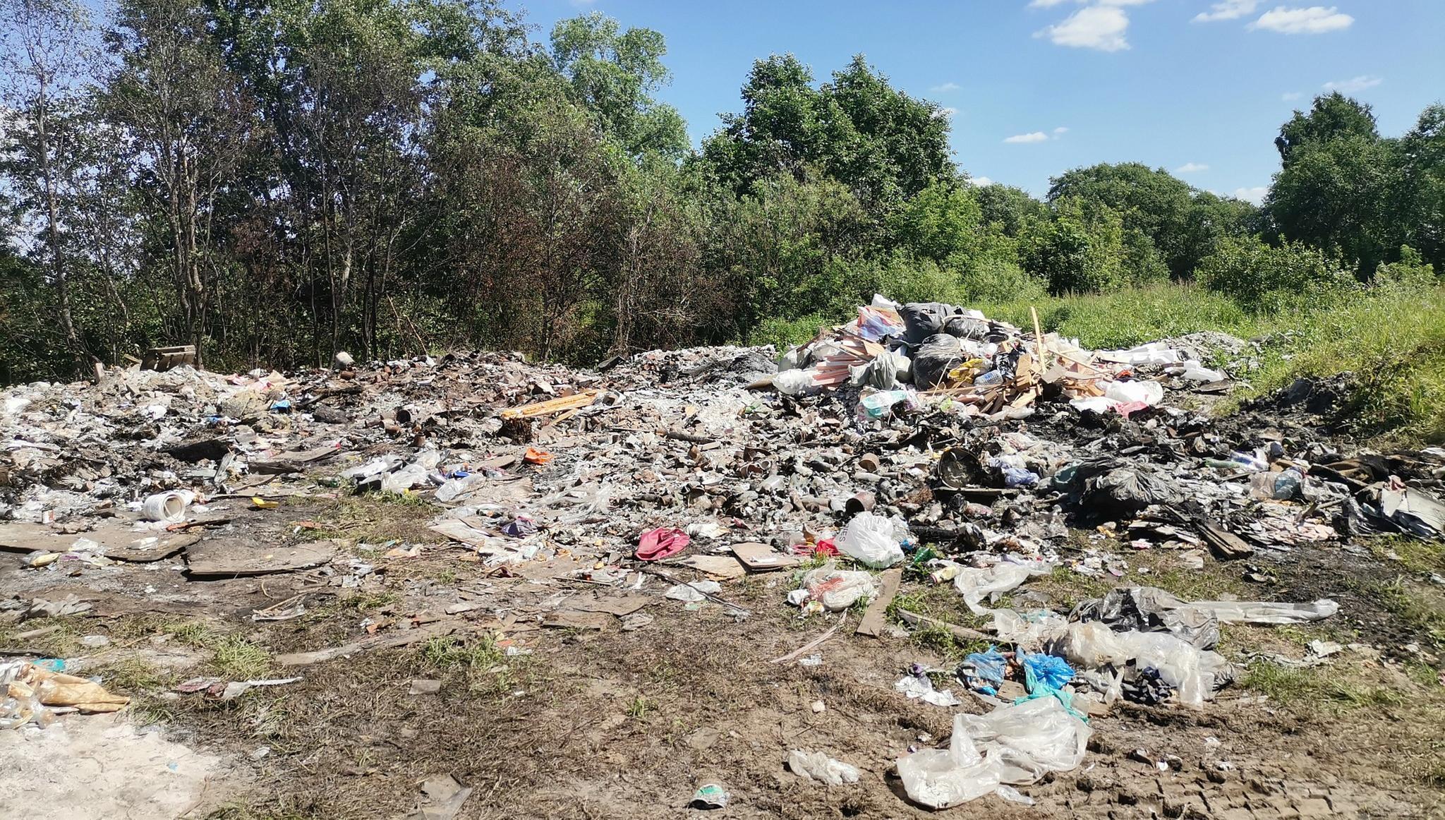 Под Тверью ликвидировали несанкционированную свалку у леса - новости Афанасий