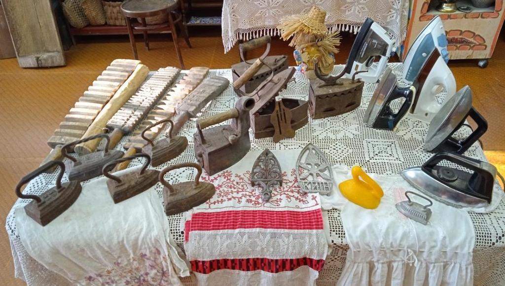 В музее в Тверской области выставкой отметили День утюга
