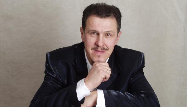 Тверской певец участвует в проекте «Голос 60+» на Первом канале