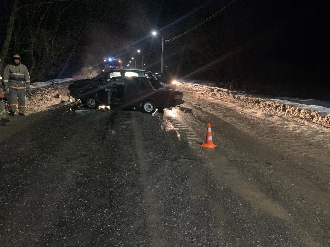 В Тверской области женщина на Ford спровоцировала ДТП с пострадавшим, выехав на встречную полосу - новости Афанасий