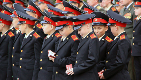 В Твери прошло торжественное посвящение в суворовцы: СВУ пополнили 80 первокурсников
