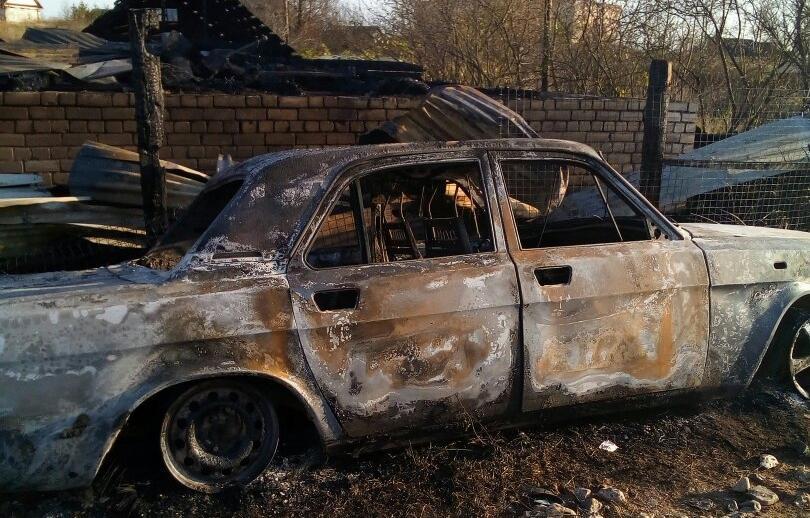 Пожар в Тверской области уничтожил дом и два автомобиля - новости Афанасий
