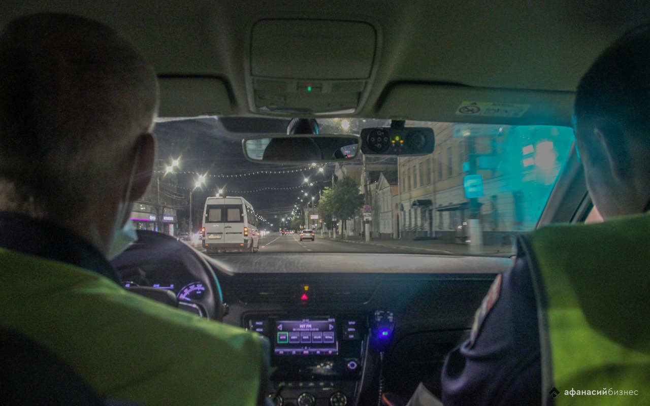 «Мне так комфортнее»: в Твери автоинспекторы ловили пьяных водителей и заставили «выйти из сумрака» любителей тонировки - новости Афанасий